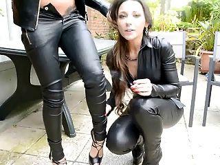 Julie skyhigh y amigo todo en el cuero que fuma el beso femdompov
