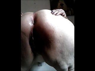 Gorda brasileña abuelita mostrar su culo y coño