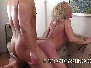 Casting blonde escort da al cliente gran gfe y pse