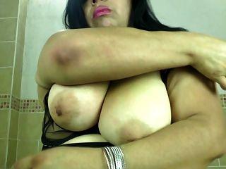 Gordita madre madura con culo sediento y coño