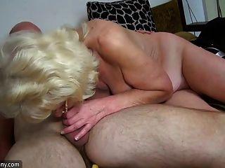 Oldnanny vieja abuelita es muy muy cachonda y húmeda
