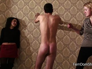 Paleta extrema en el goof esclavos culo spanking femdom