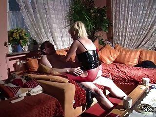 Alemán grande tit natural milf seducir a la mierda por desconocido