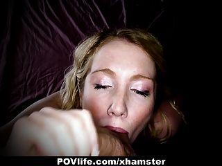 Povlife cachonda rubia obtiene follada en el culo en la cámara!