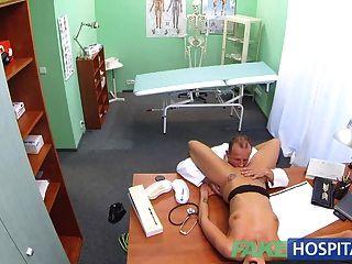 Fakehospital sexy sospechoso mujer tiene sexo caliente