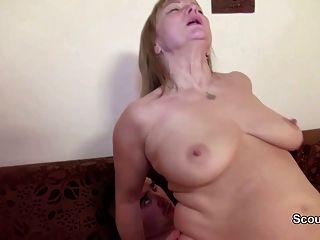Casting porno con mamá alemana y papá por primera vez por dinero
