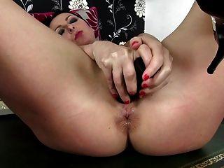 Sexy madre madura con hambriento culo agujero