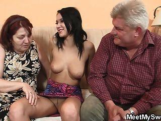 Muy vieja pareja joder adolescente