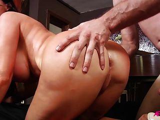 Nikki benz resma en el culo duro y cummed en