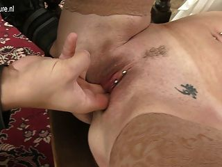 Afortunado perno prisionero caliente madre madura