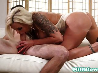 Busty milf cocksucking antes de desordenado facial