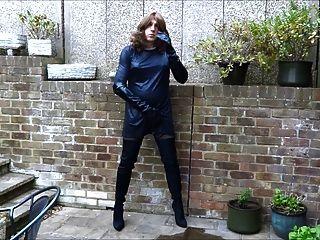 Alison thighbootboy masturbándose en sus nuevas botas de lycra