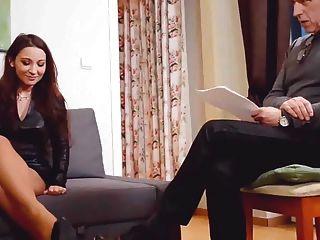 Julie skyhigh cuero ninfomaníaca en terapia psico