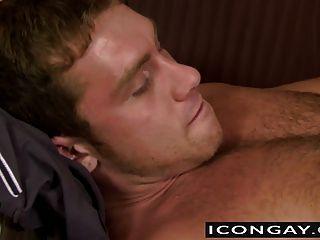 Muscled nick licks y chupa córnea connor duro y gran vara