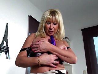 Madres tetonas maduras con vaginas hambrientas