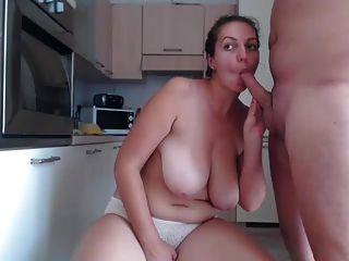 Chubby girl se follan en la cocina