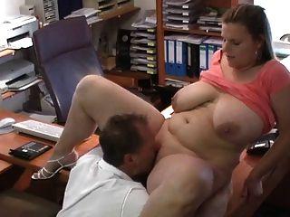 Sexy bbw alemán se la follan en la entrevista de trabajo