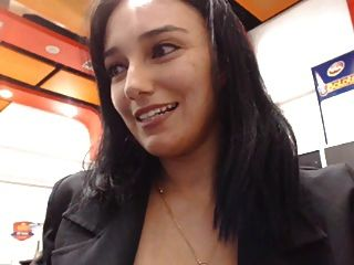 Webcam púbica restaraunt flashing girl
