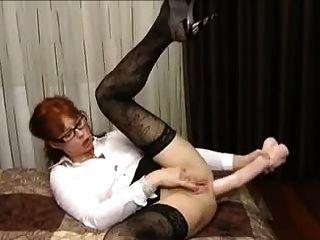 Milf enorme dildo anal termina con prolapso enorme