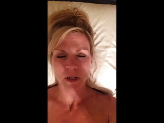 Hot sexy milf se registra cumming mientras habla sucio