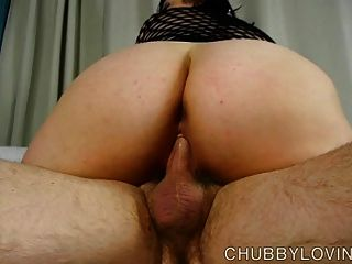 Súper sexy grasa en body fishnet obtiene blasted con cum