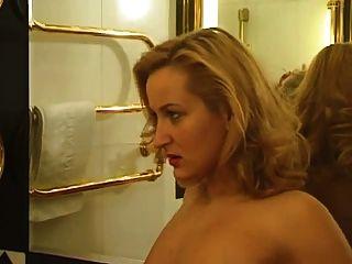 Caliente milf alemán fisted por su novia