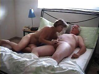 Abuelos en estilo doggy video casero