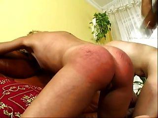 Amante negro usa dos esclavas rubias