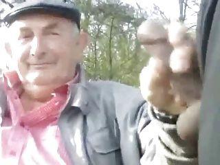 Abuelo en el parque