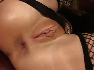 Consolador enorme rubia milf anal