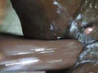 Ébano clítoris grande cumming duro mojado y cremoso