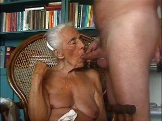 Abuelita ama polla joven