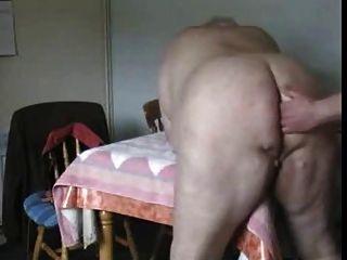 Hombres mayores caseros