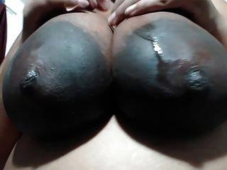 Areolas enormes señora india ama mis bolas n gg r