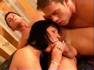 Bisexual mmf trío