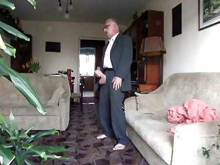Apuesto hombre mayor con gran polla