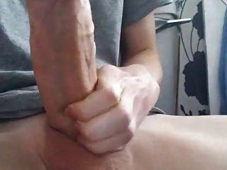 Chico de 18 años con polla gorda enorme (21 cm)