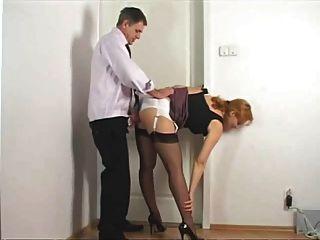 Sacudidas en el panty de la secretaria