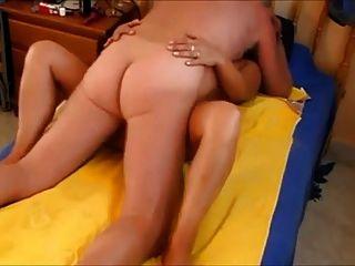 Abuelo vecino folla a su esposa madura caliente