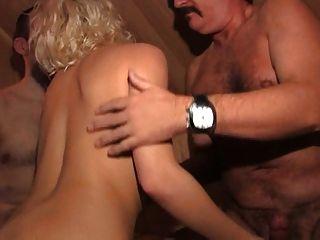 Viena uso de la sauna con 2 vecinos