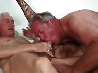 Bisex pareja madura y amigo 1