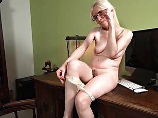Madura, rubia, solo, masturbación, escritorio
