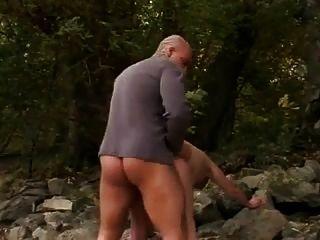 Áspera follar # 38 gruesa abuela gran culo en la playa