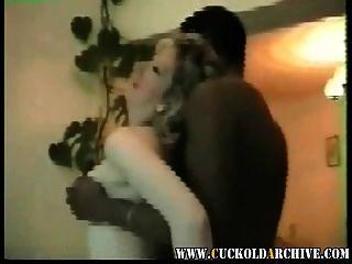 Cuckold archivo vintage casa video esposa con gran toro negro