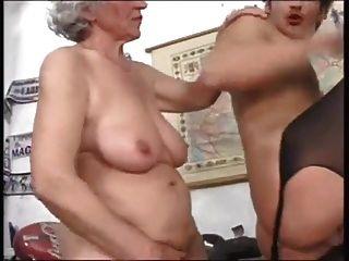 Las abuelas quieren polla también