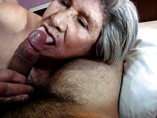 Más 79 años de edad granny sucking