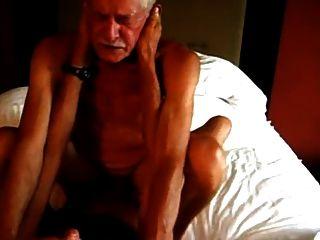Dos abuelos follando caliente