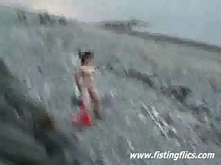 Loco anal y coño inserciones en la playa