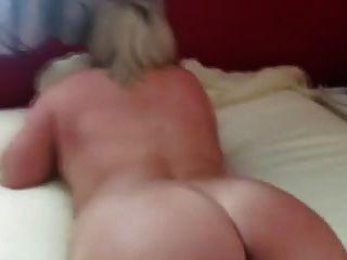 Rubia gordita caliente fisted al orgasmo
