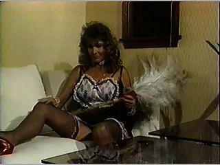 Día de baño de mama para la ama de llaves y la limpieza